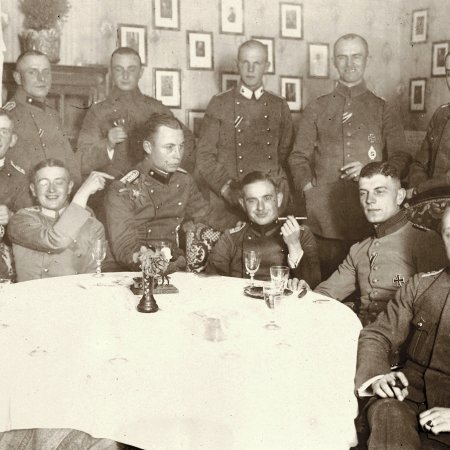 072 German Officers In Mess