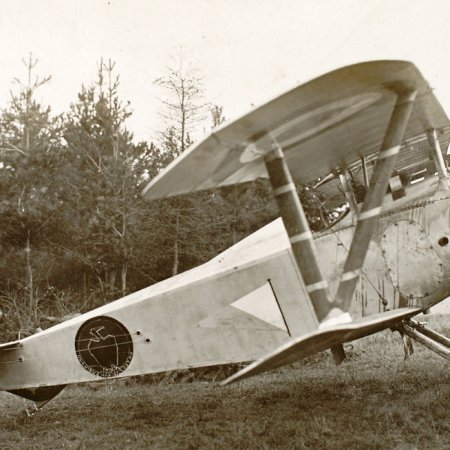 142 Captured Nieuport 1834