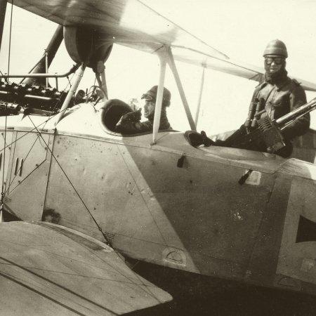 143 Pilot And Gunner