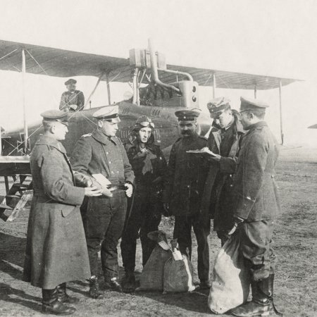 054 DFW C V With Pilots And Officers