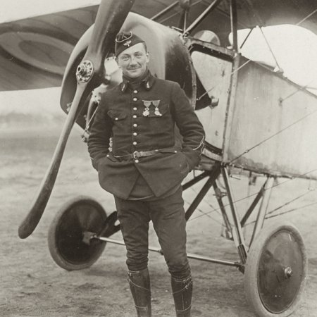 069 French Pilot