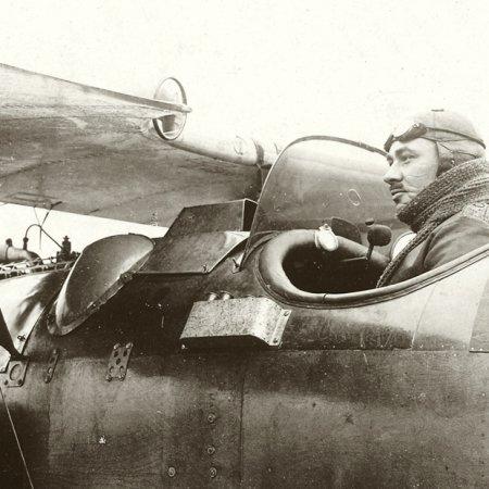 151 Albatros Closeup Of Pilot In Cockpit
